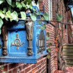 Historischer blauer Briefkasten in der Elbstraße in Lauenburg