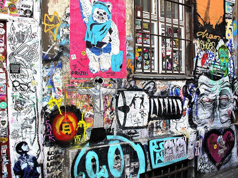 Street Art am Hackeschen Markt in Berlin